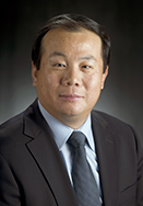 2007 Distinguished Faculty award winner Ning XI poses in the studio on Thursday January 3, 2008.